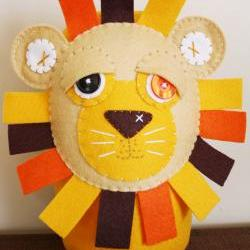 BOObeloobie Loogaroo the Lion in Cream, yellow, chocolate brown, orange and white accents